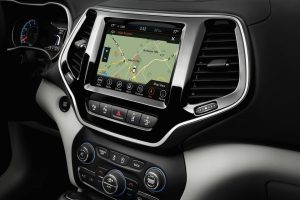 2020 Jeep Cherokee navigation screen and front console centre