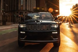 2020 Jeep Grand Cherokee front view driving