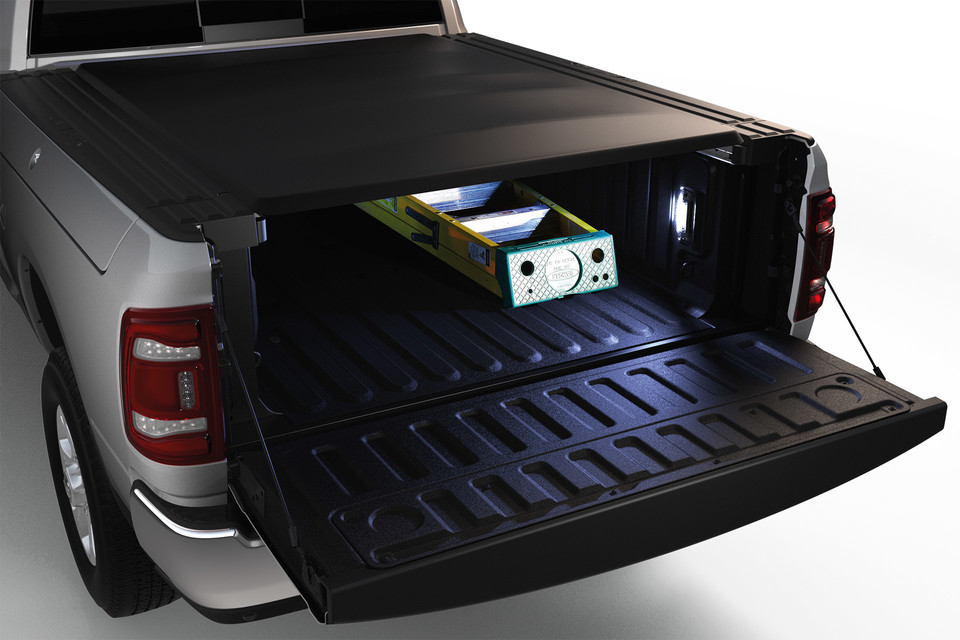 Box cover of Ram 3500 with ladder in it