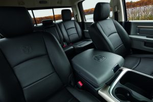 2021-ram-1500-ds-feature-interior-bucket-seats-black-leather