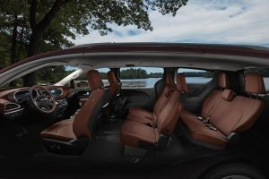2021-chrysler-pacifica-interior-feature-8-seats-brown-leather
