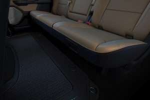 2021-ram-1500-dt-interior-feature-genuine-leather-and-wood